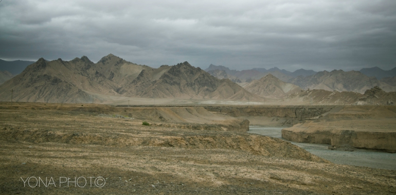 KunLun Mountains south of Golmud, Qinghai Province, China