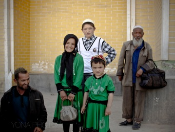 Three Uyghur generations in Kashgar