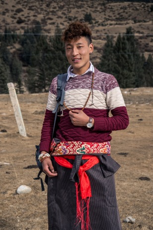 Tibetan student on his way to Sichuan for the next term of college